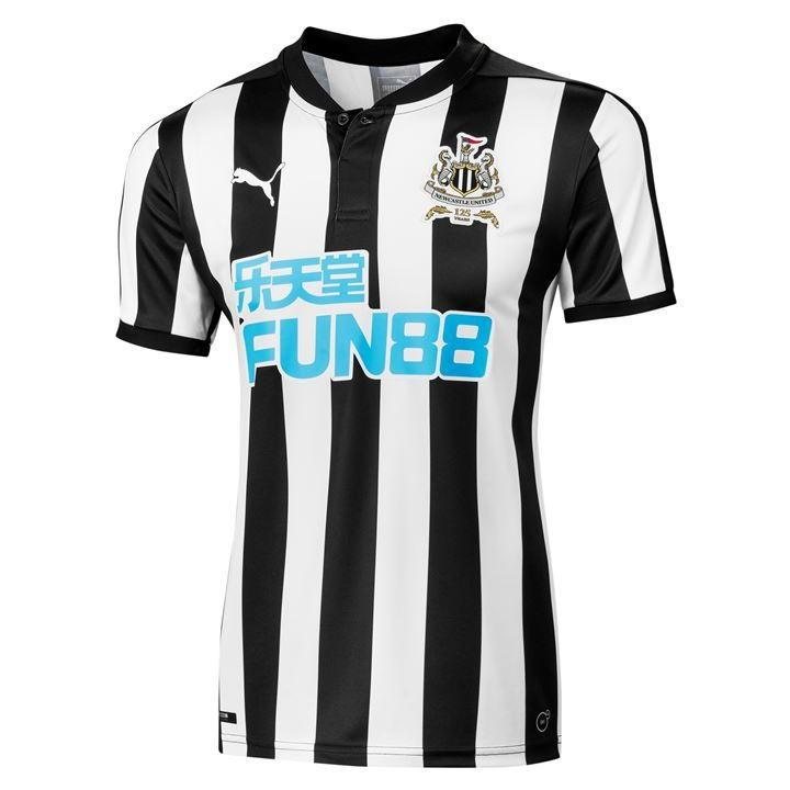 81f90f1c6ab5 Форма футбольного клуба Ньюкасл 2017 2018 (комплект  футболка + шорты +  гетры)